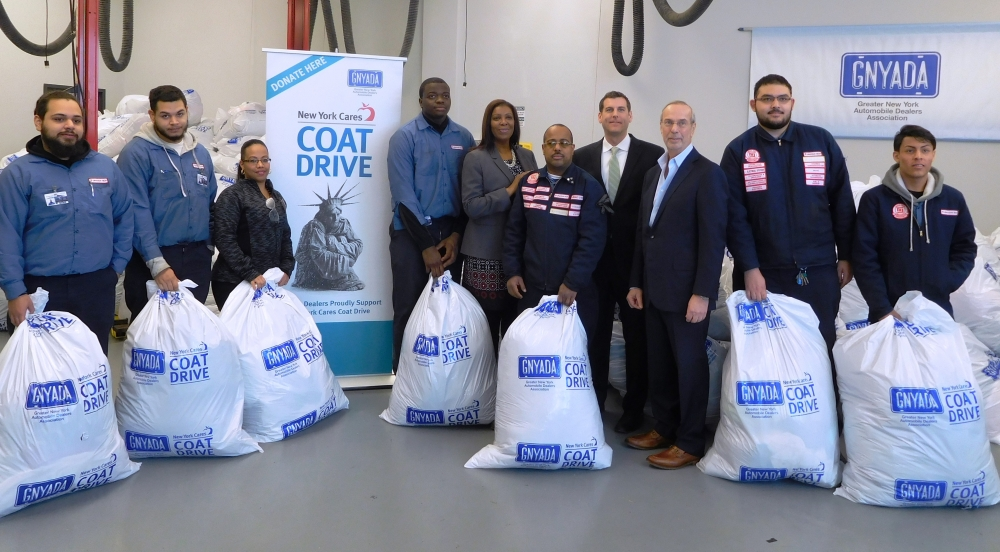 On January 10, 2018, Assemblyman Braunstein joined the Greater New York Automobile Dealers Association for its annual New York Cares Winter Coat Drive event.