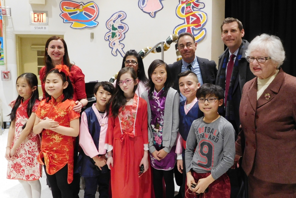 On February 7, 2018, Assemblyman Braunstein joined PS 203 in celebrating the Lunar New Year.