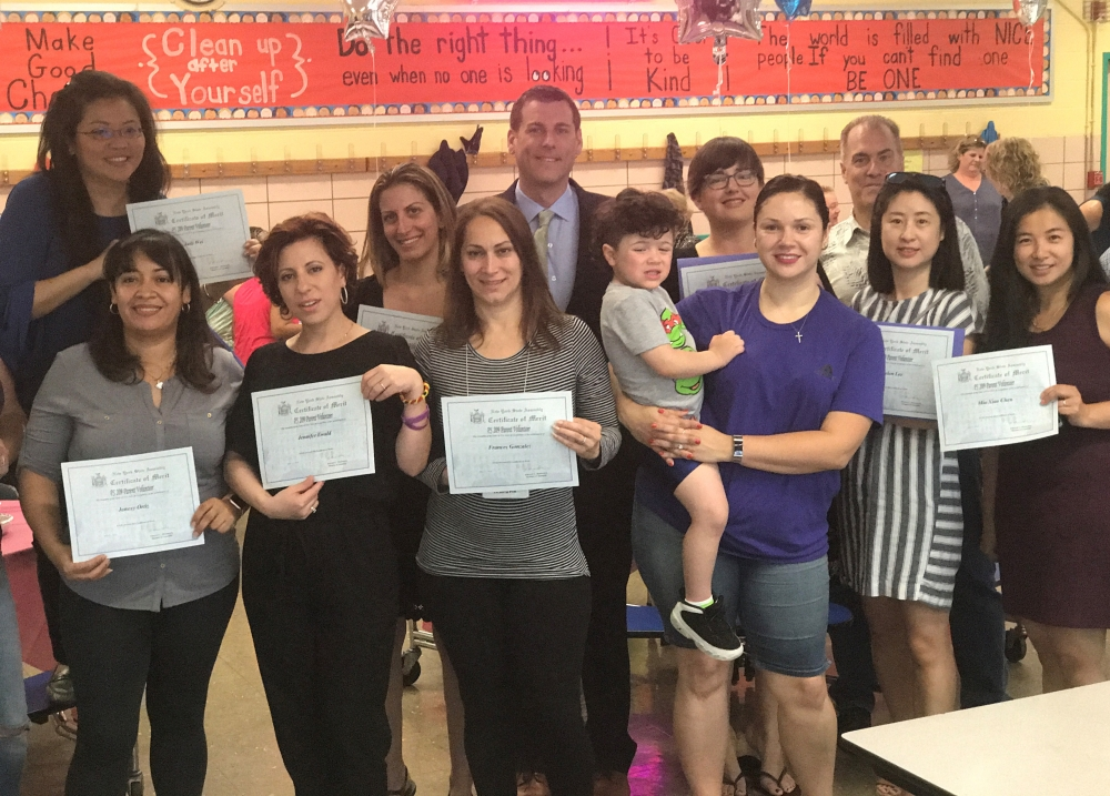 On May 25, 2018, Assemblyman Braunstein presented NYS Assembly Certificates of Merit to the parent volunteers at PS 209 in Whitestone.