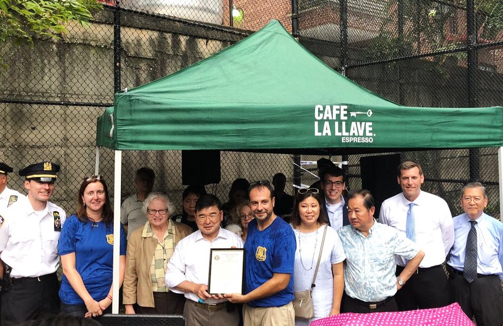 On August 7, 2018, Assemblyman Braunstein attended the 109th Precinct's National Night Out event in Flushing.