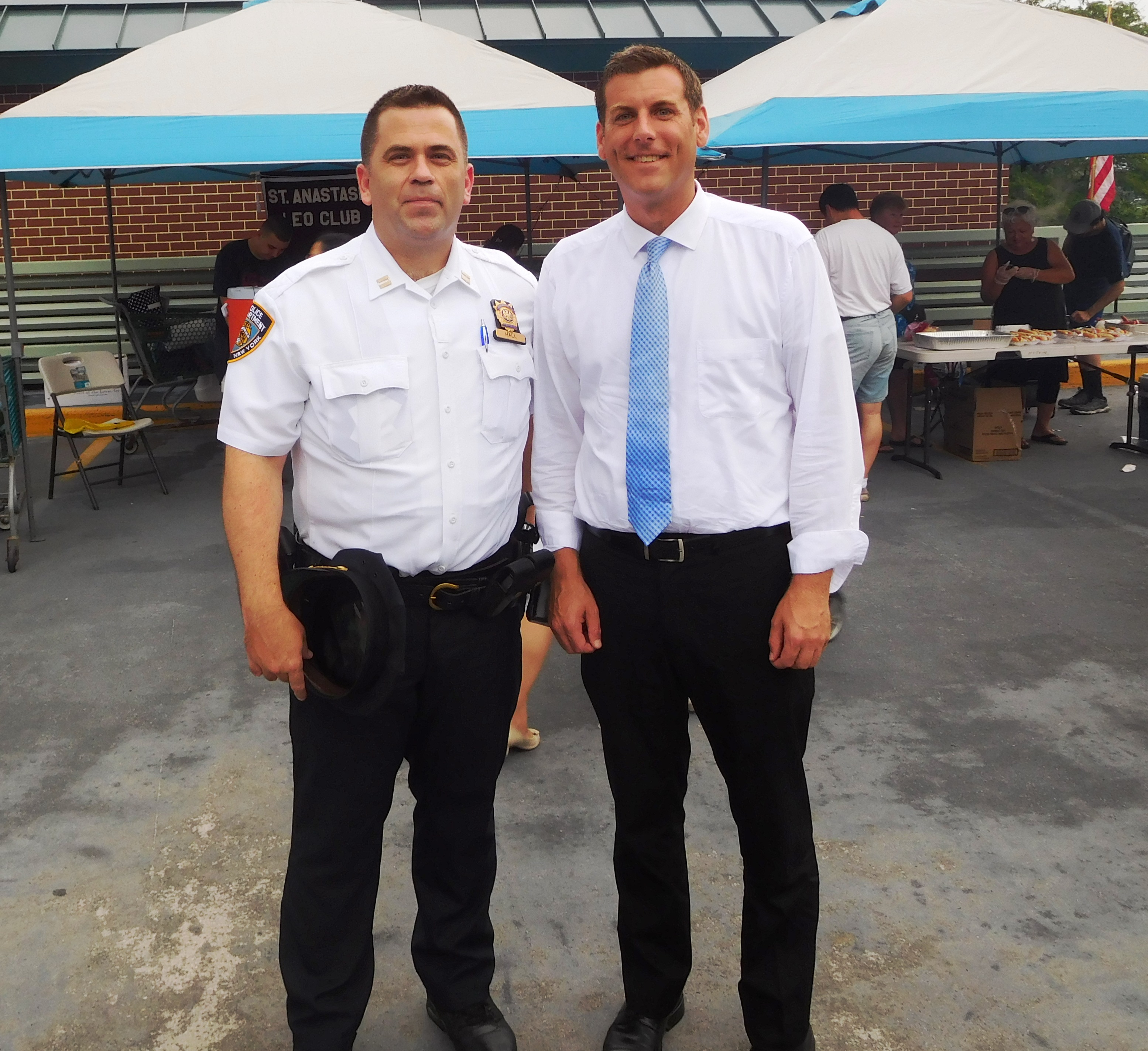 On August 7, 2018, Assemblyman Braunstein attended the 111th Precinct's National Night Out event in Douglaston.