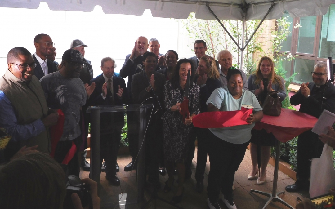 On September 25, 2018, Assemblyman Braunstein attended the Ribbon Cutting Ceremony for the Transitional Services for New York, Inc.