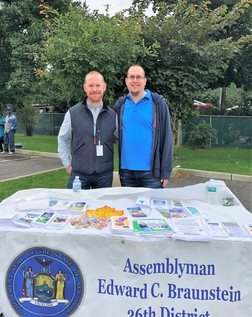 On October 6, 2018, Assemblyman Braunstein co-sponsored the St. Mary's Healthcare System for Children Autumn Festival, where his staff held a Mobile District Office.