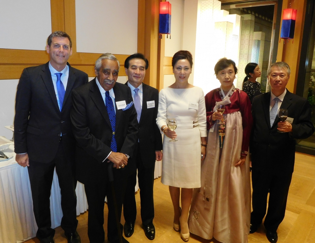 On October 11, 2018, Assemblyman Braunstein celebrated the National Foundation Day of Korea.