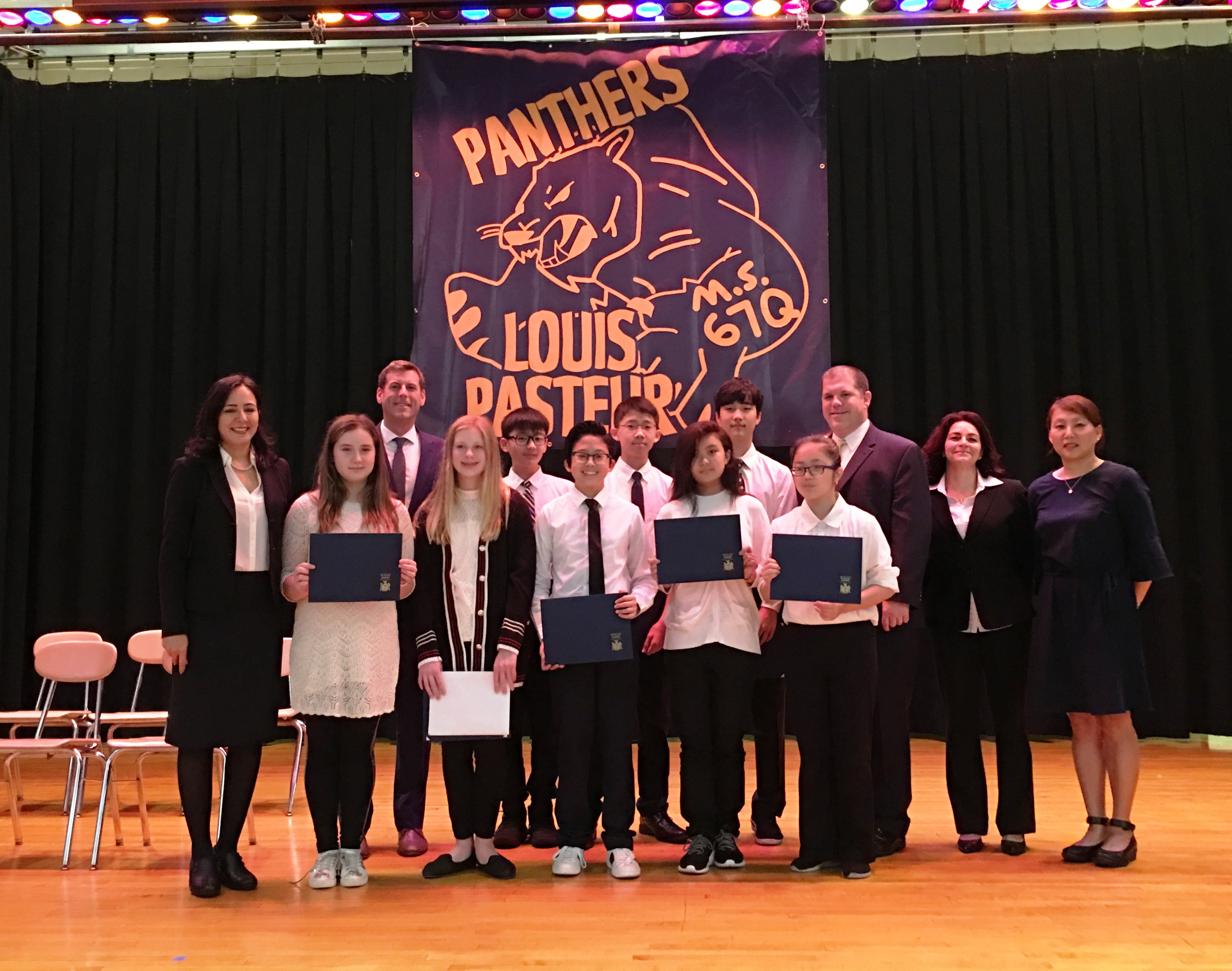 On November 2, 2018, Assemblyman Braunstein installed the 2018-2019 Student Organization at Louis Pasteur Middle School 67.