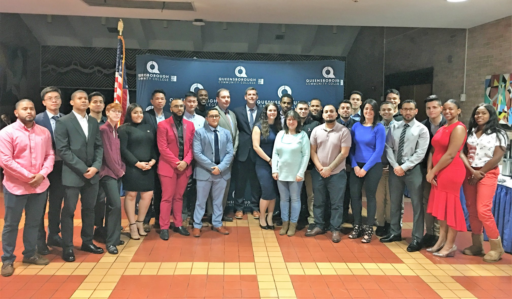 On November 8, 2018, Assemblyman Braunstein attended Queensborough Community College's Annual Veterans Dinner.
