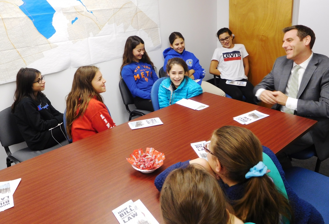 On November 16, 2018, Assemblyman Braunstein met with Holy Cross Greek Orthodox Church Girl Scout Troop 4573.