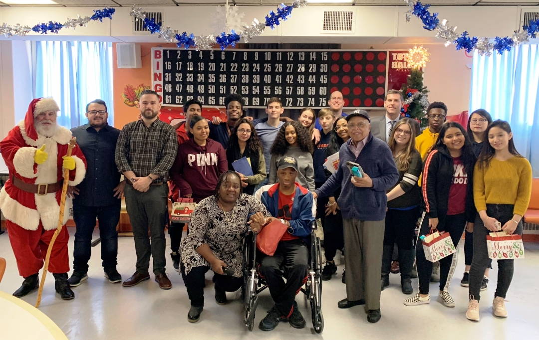 On December 20, 2018, Assemblyman Braunstein, his staff, Santa, and students and staff from Benjamin N. Cardozo High School delivered donations from the 8th Annual Holiday Gift Drive to veterans at th