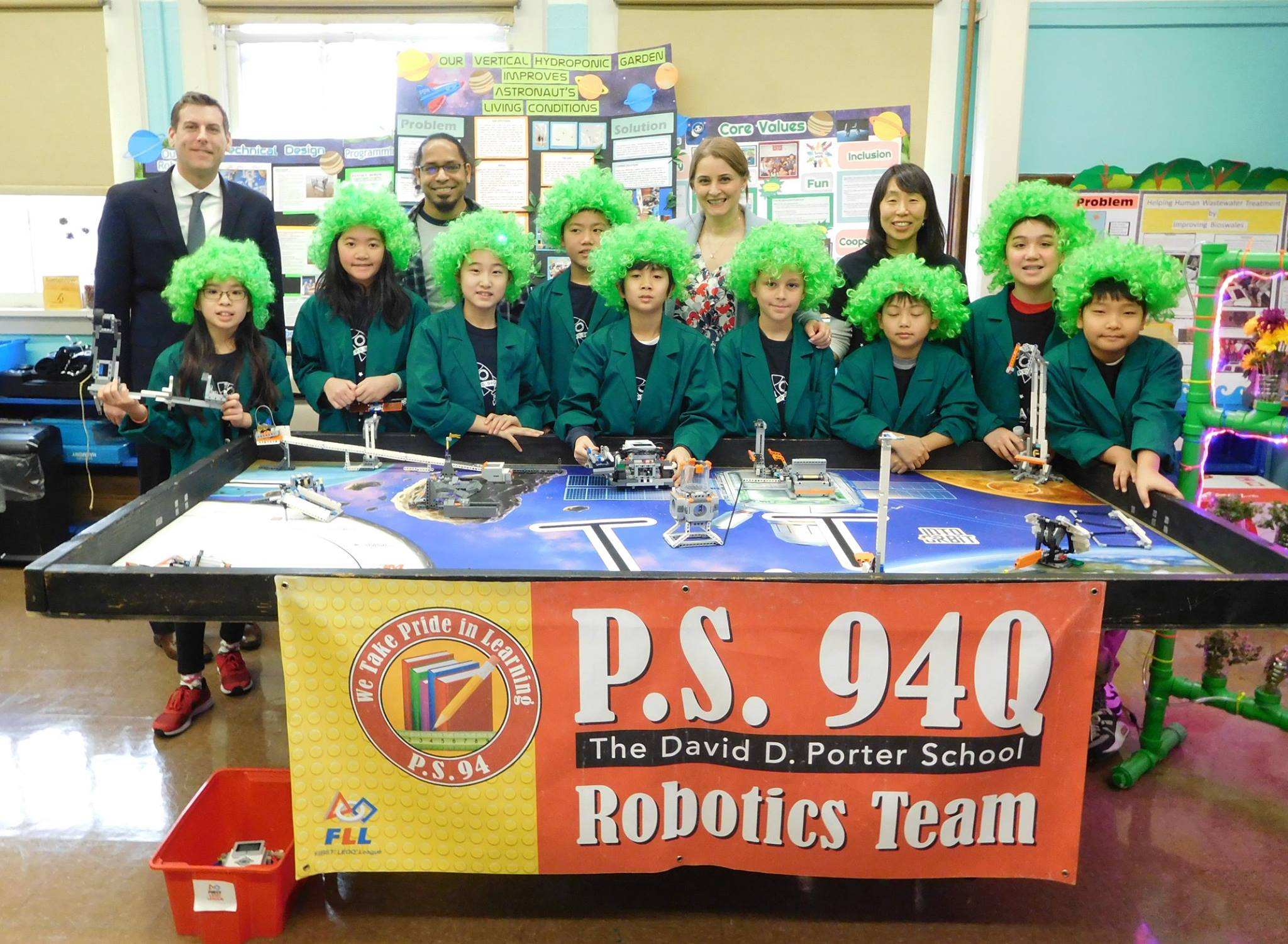 On January 25, 2019, Assemblyman Braunstein visited PS 94 in Little Neck and attended a presentation by the school's LEGO Robotics team, the RoboPandas.