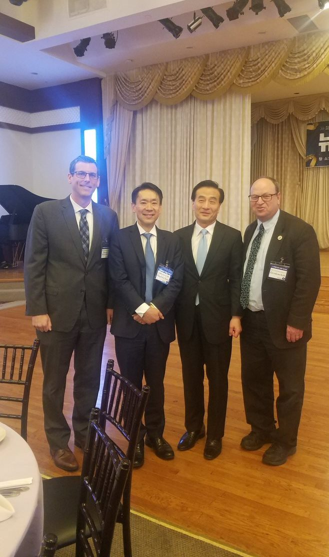 On May 9, 2019, Assemblyman Braunstein attended The Korean New York Daily (The New York Ilbo) 16th Anniversary Gala.