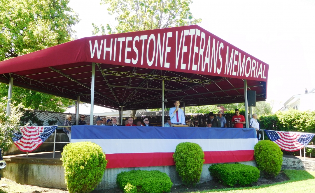 On May 27, 2019, Assemblyman Braunstein marched in the Whitestone Memorial Day Ceremony & Parade.