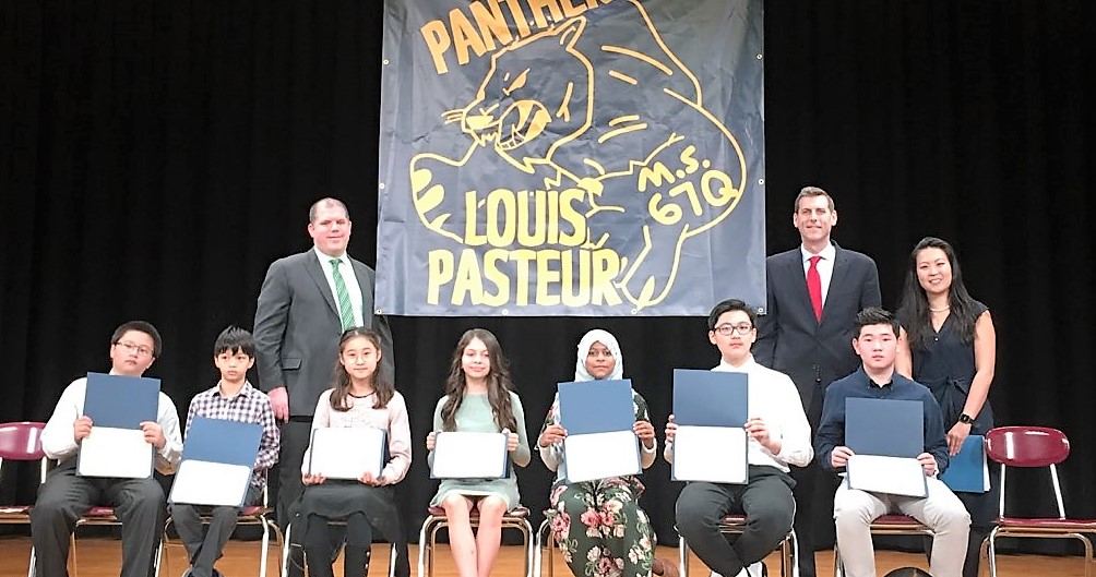 On November 22, 2019, Assemblyman Braunstein installed the 2019-2020 Louis Pasteur Middle School 67 Student Organization.