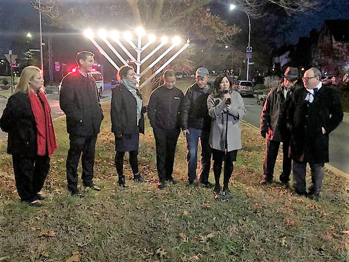 On December 8, 2019, Assemblyman Braunstein attended the Bayside Hills Civic Association Holiday Lighting Festival.