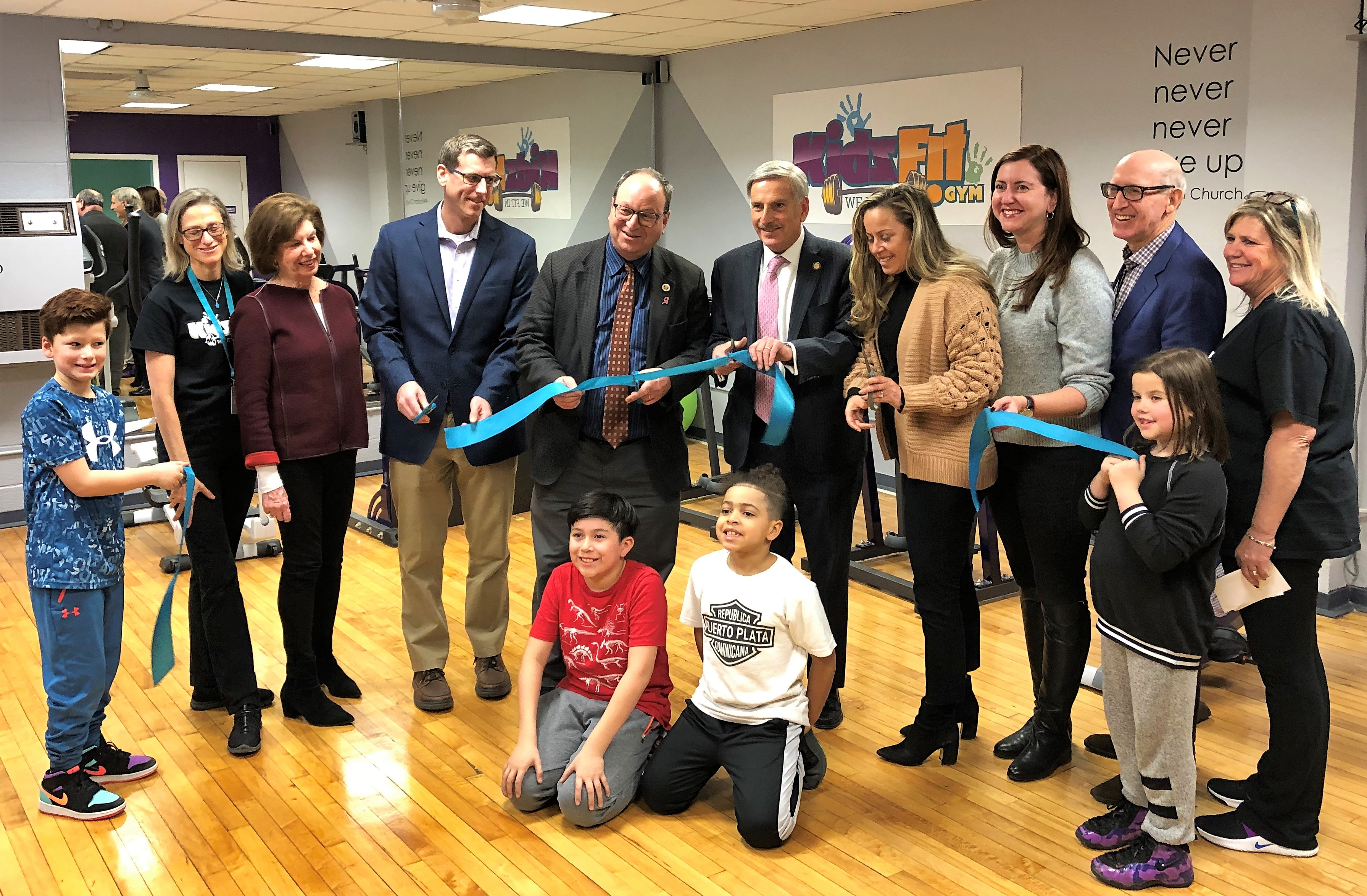 On December 12, 2019, Assemblyman Braunstein attended the ribbon cutting for a brand new Kidz Fit Gym at Commonpoint Queens Sam Field Center.