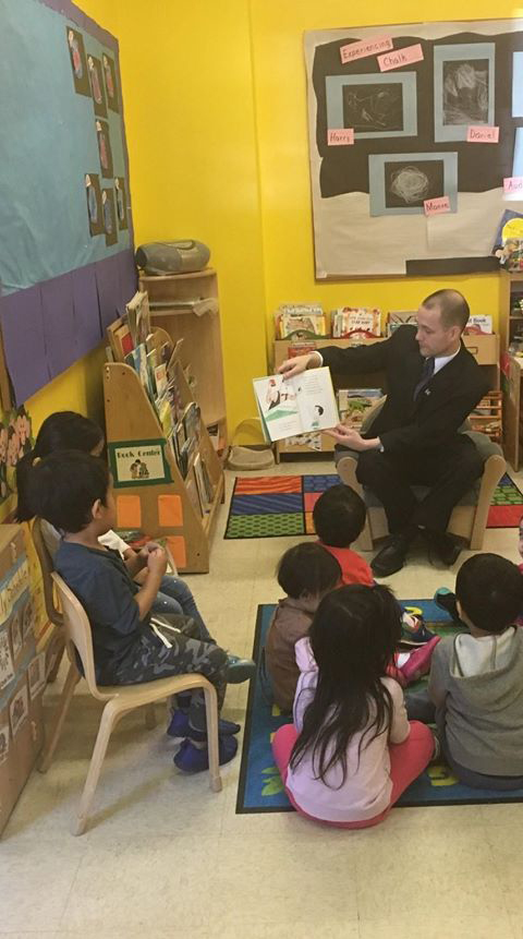 On March 10, 2017, Assemblyman Barnwell had the pleasure of reading to a Towers Play-N-Learn class in Woodside.<br />