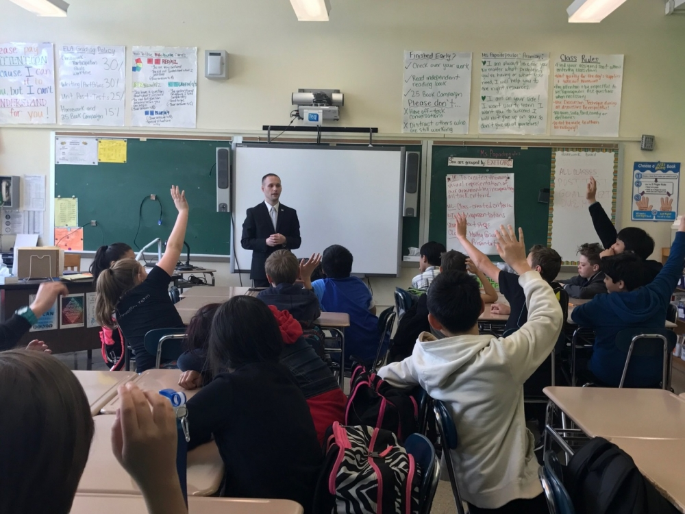 On May 12, 2017, Assemblyman Barnwell participated in Law Day at IS 73. He discussed the importance of teaching how our government works and functions.<br />