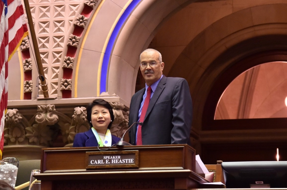 Assemblyman Aubry welcomes Ambassador Lily L. W. Hsu, Director General, Taipei Economic & Cultural Office, to the NYS Assembly Chamber.