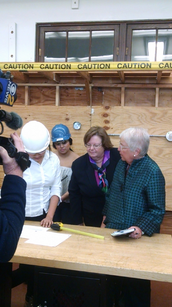 Assemblywoman Catherine Nolan and NYC Chancellor Carmen Farina touring Queens Vocational High School