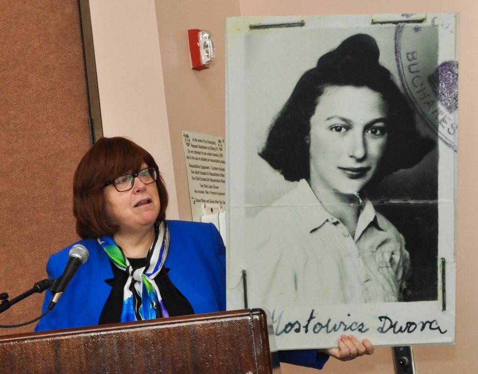 Holocaust's 'unsung heroes' are focus of essay contest