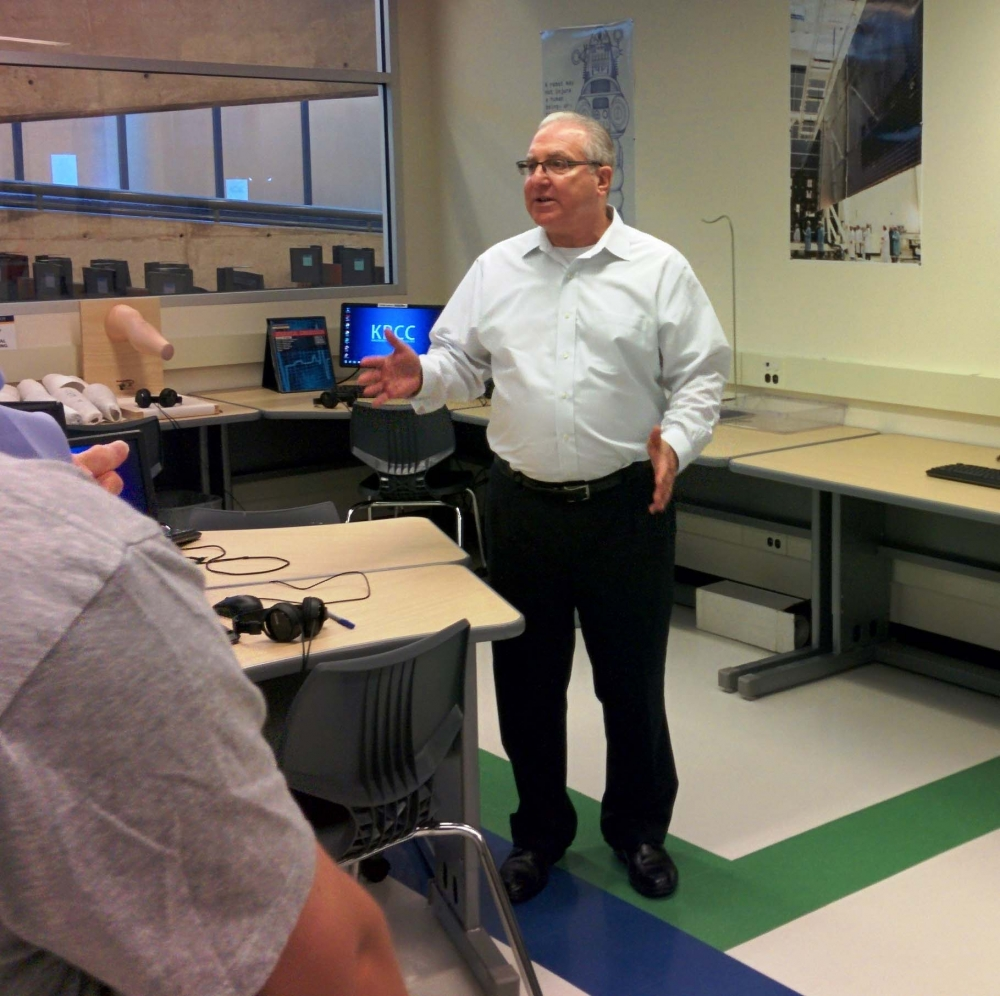 Assemblyman Cymbrowitz participated in a walk-through of the brand new STEM (Science Technology Engineering Math) lab that opened at Kingsborough Community College.