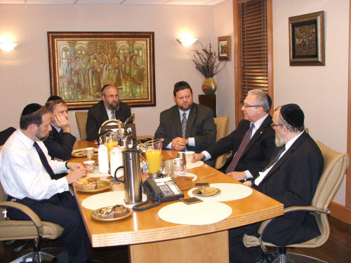 Assemblyman Cymbrowitz meeting with local Agudath Israel of America leaders to discuss community concerns.