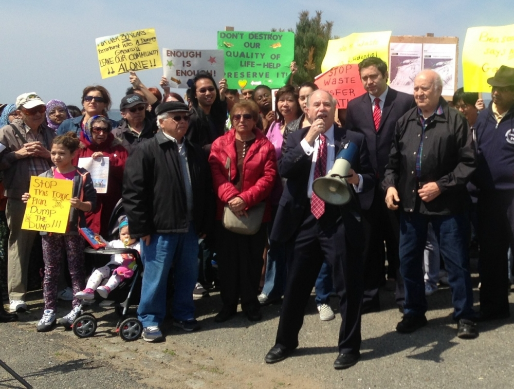Assemblymember William Colton and numerous community leaders including Bill Naddeo, Nancy Tong, Priscilla Consolo, Ari Kagan, Sid Schatzman and many others &nbsp;at a rally fighting against the Southwest Brooklyn Garbage Transfer Station. &nbsp;<br />&nbsp;