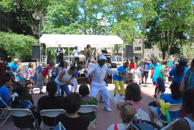 Performances at Roosevelt Island Day 2015 (photo courtesy Frank Farance)
