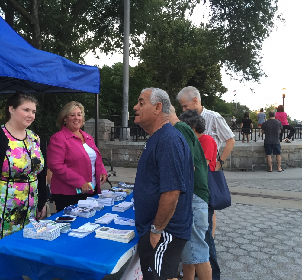Sunset Film Festival, August 19, 2015---Carl Schurz Park, NYC--- Assembly Member Seawright speaks to residents.