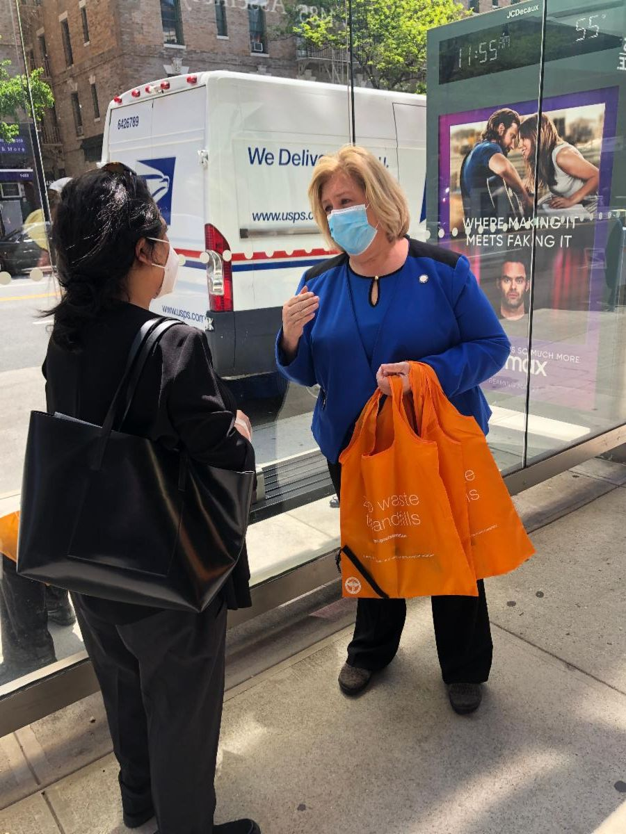 To help stop the spread of COVID19, Assembly Member Seawright hosted a protective face mask and hand sanitizer giveaway at your community office. Each attendee received reusable and disposable masks,
