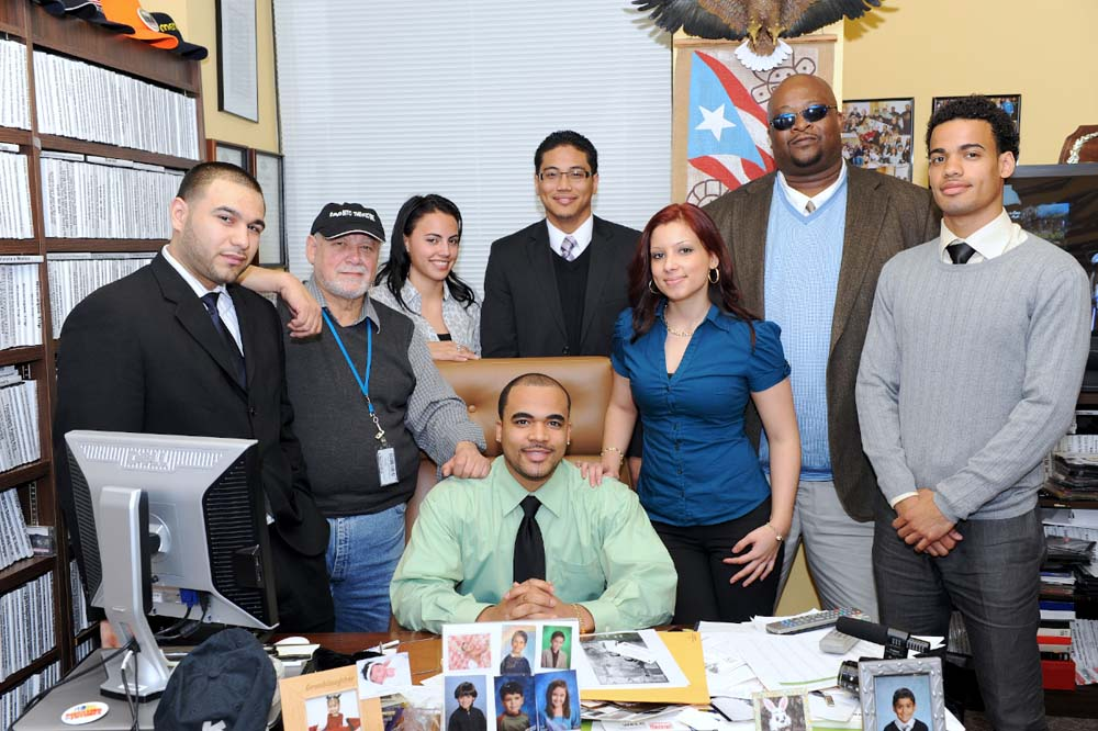 Photo of Assemblyman Rivera with local College students from his district.