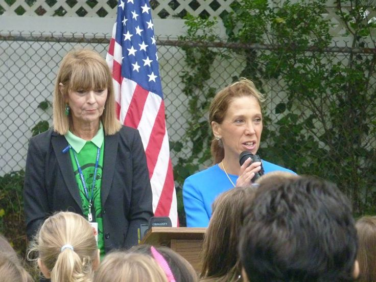 Amy Paulin was at the Anne Hutchinson School in Eastchester for the Green Ribbon Award Ceremony. The school is the only one in the state to receive this prestigious honor, which is the result of all the hard work the students and staff have done to keep the planet green through recycling and reusing resources.