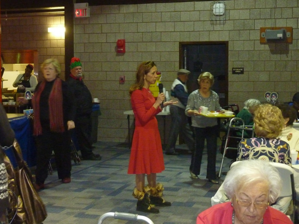 Assemblywoman Amy Paulin visited the Tuckahoe Community Center and handed out holiday cookies.