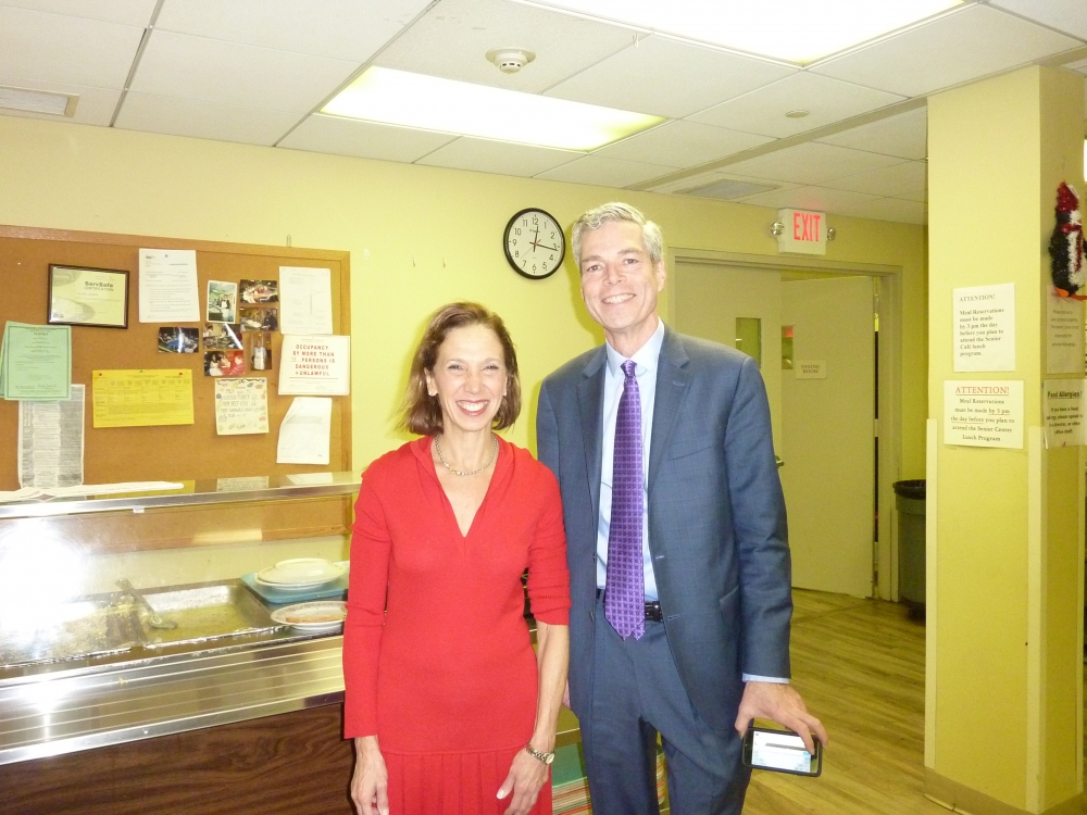 White Plains mayor Tom Roach joined Assemblywoman Amy Paulin as she handed out holiday cookies at the White Plains Senior Center.