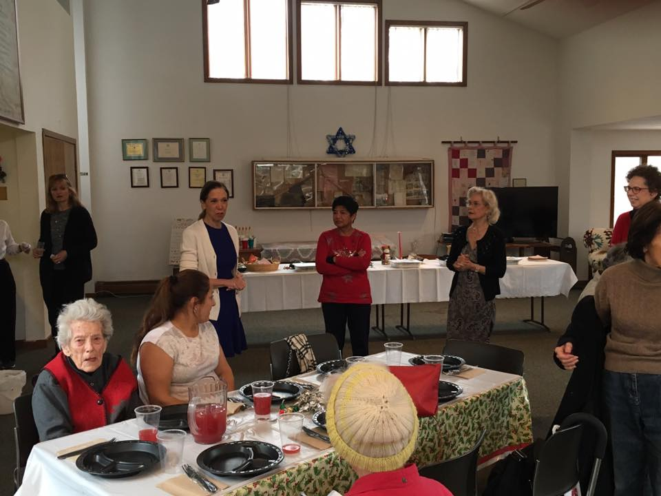 Assemblywoman Amy Paulin handed out holiday cookies to the Scarsdale Seniors.<br />