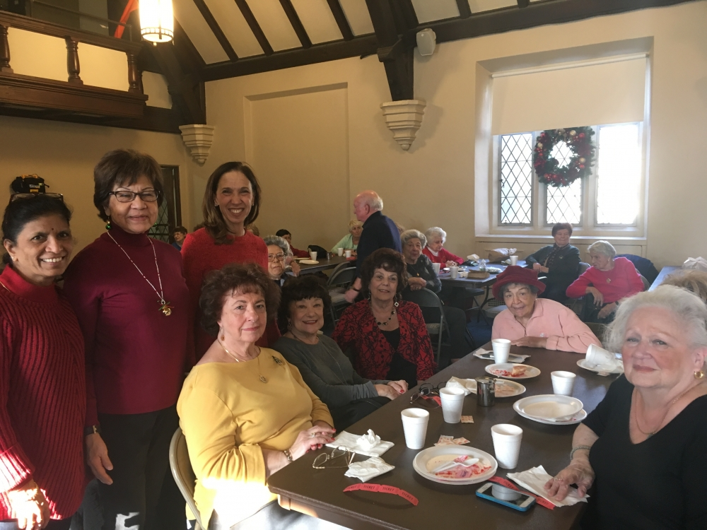 Assemblywoman Amy Paulin delivered holiday cookies to the Pelham Seniors.<br />&nbsp;
