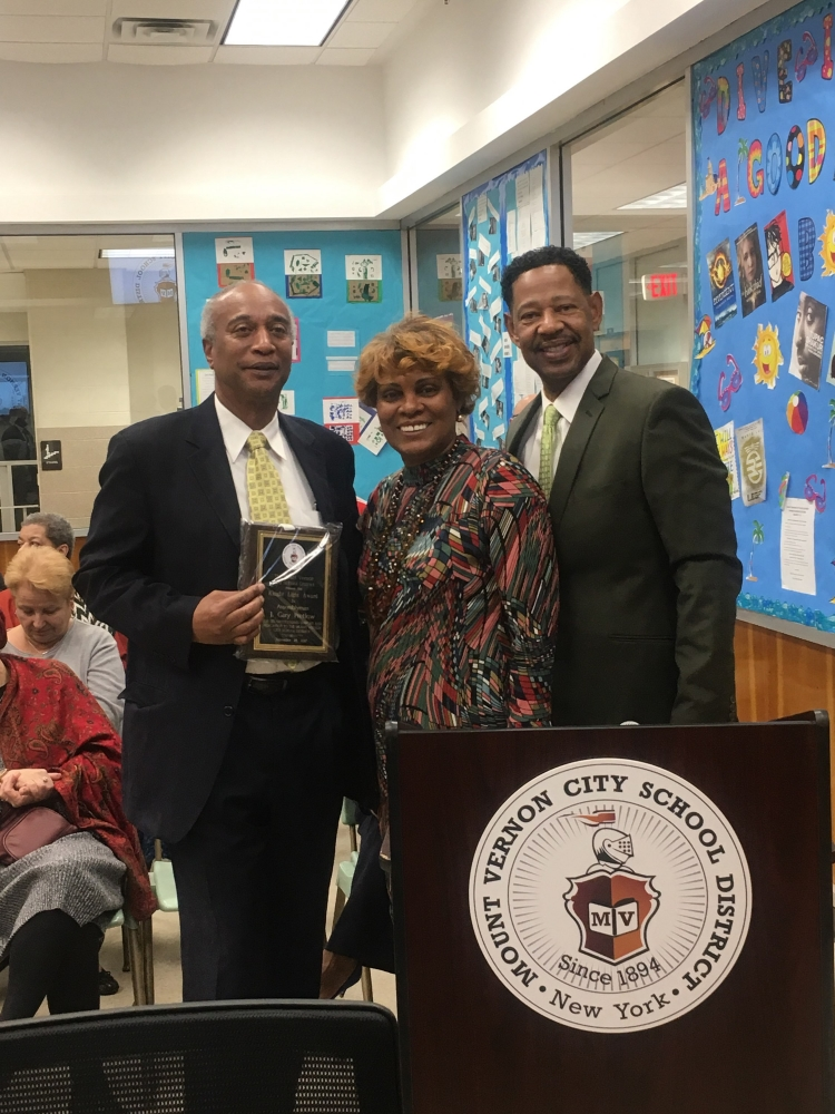 Mount Vernon City School District Awarded Assembly member Pretlow for his dedication to help propel the Mount Vernon City School District forward; this award cast a spotlight to people that have a positive impact on the District and its students.<br />&nbsp;