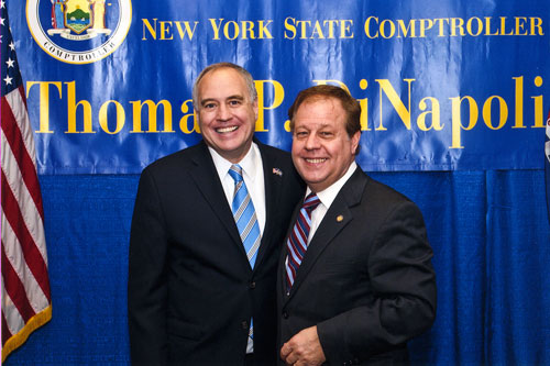 Assemblyman Abinanti meets with Comptroller DiNapoli at the opening of the 2013 Legislative Session.