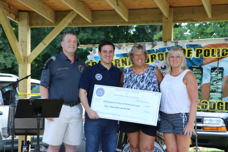 Senator Murphy, Assemblyman Byrne Present $1,000 Grant To Local Fraternal Order Of Police<br />Grant Will Support the Stephen P. Driscoll Memorial Pipe Band<br />