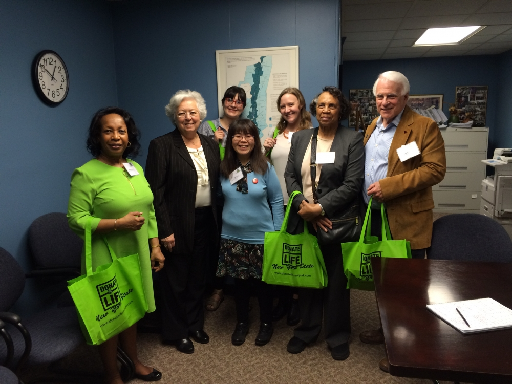 Advocates for organ donation from Donate Life came to visit Sandy in Albany in April, 2016.<br />&nbsp;