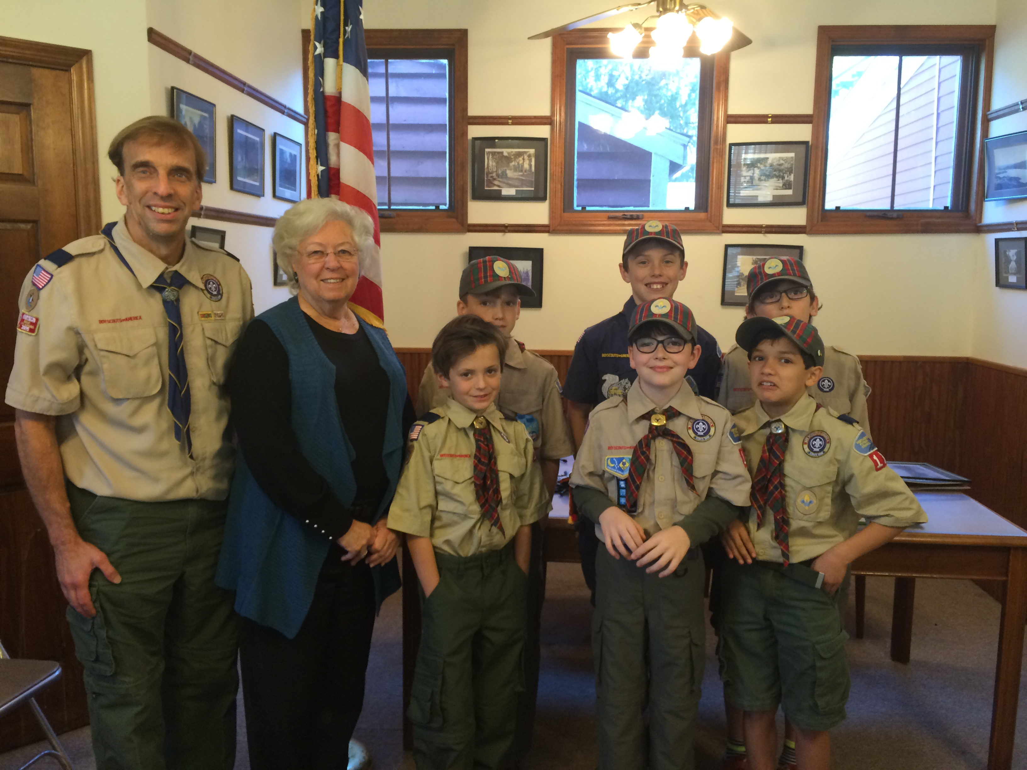 Sandy met with some Cub Scouts and their troop leader in Nelsonville to talk about government and civil service. There are many scouts of all ages throughout her district, and Sandy greatly enjoys bei