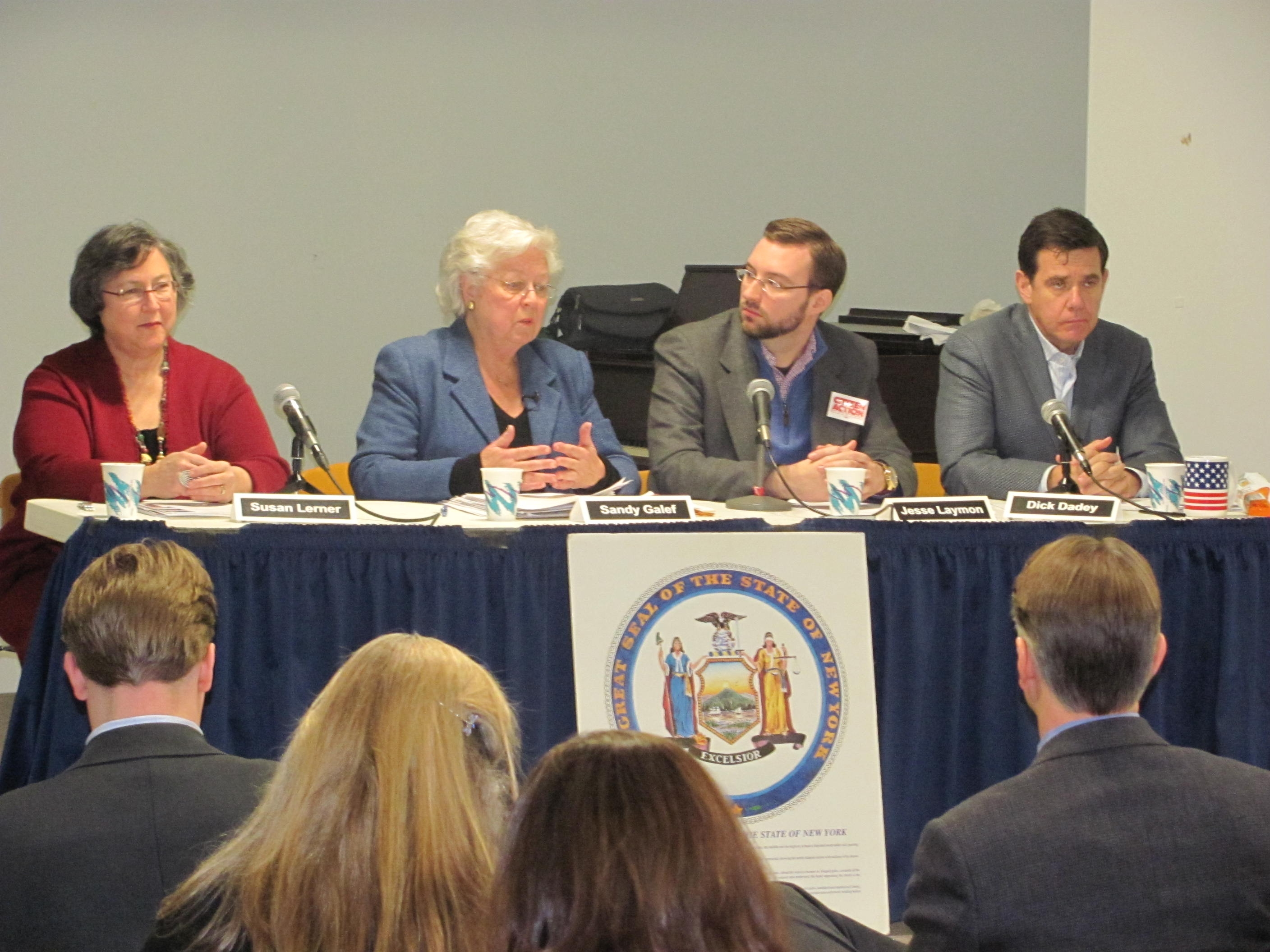 Sandy held a forum with good government groups to discuss the benefits of statewide campaign finance reform.