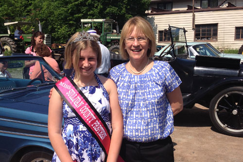 Aileen with Miss Sullivan County Pre-Teen at the Liberty Memorial Day Parade.