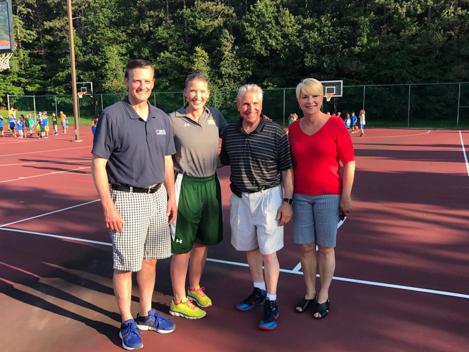 Assemblywoman Walsh with Town of Clifton Park Supervisor Phil Barrett, Siena Women's Basketball Head Coach Ali Jaques  and Senator Jim Tedisco at Clifton Park's National Night Out Hoops at the Common.<br />