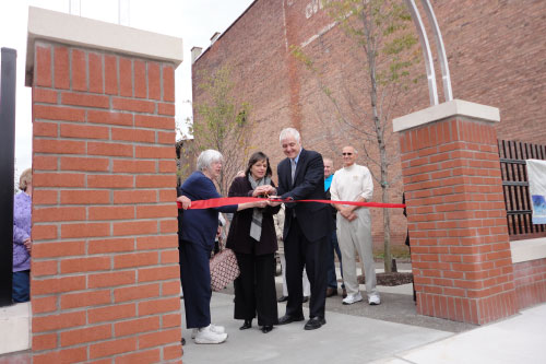 October 18, 2011 – Assemblywoman Donna Lupardo cuts the ribbon at the Grand Opening of the South Side Commons in Binghamton, which she helped secure funding for.