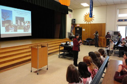 February 24, 2011 – Assemblywoman Lupardo organized an Engineering Week presentation to 5th grade students at Glenwood Elementary in Vestal to promote science, technology, engineering and math (STEM) education.
