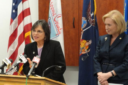 January 28, 2011 – Assemblywoman Lupardo discusses the importance of the innovation economy at a press conference in Binghamton with Senator Kirsten Gillibrand.