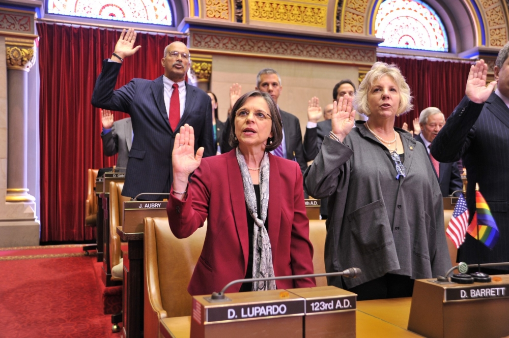January 7, 2015 – Assemblywoman Lupardo is sworn into office for her sixth term.