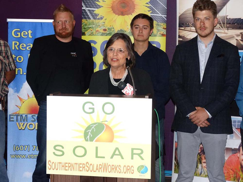 September 14, 2016 – Assemblywoman Lupardo joins Southern Tier Solar Works as they announced their fall series of solar workshops and home tours.<br />