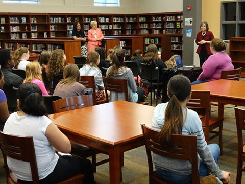 Assemblywoman Lupardo speaks to students at Jennie F. Snapp Middle School in Endicott during a Girls Who Code event that she organized to help get girls interested in STEM careers.<br />