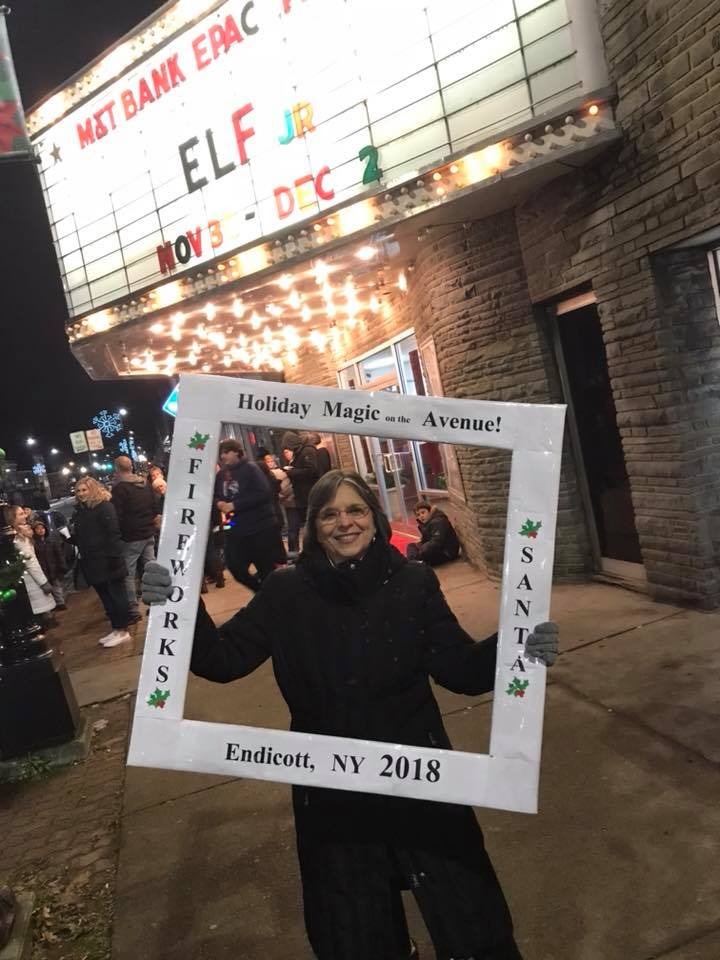 November 30, 2018 – Assemblywoman Lupardo attends the second annual Holiday Magic on the Avenue in Endicott.